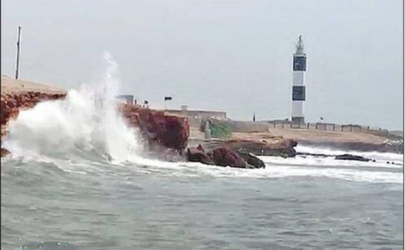 7 dead as Cyclone fury leaves trail of destruction in Gujarat