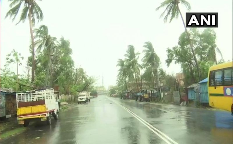 Cyclone Yaas moving towards Odisha Coast, IMD issues Red Warning in 8 districts