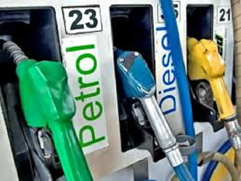 Fuel prices touch new high in Patna
