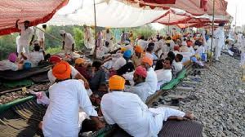 Train cancelled, many delayed due to 'rail roko' by farmers in Jaipur