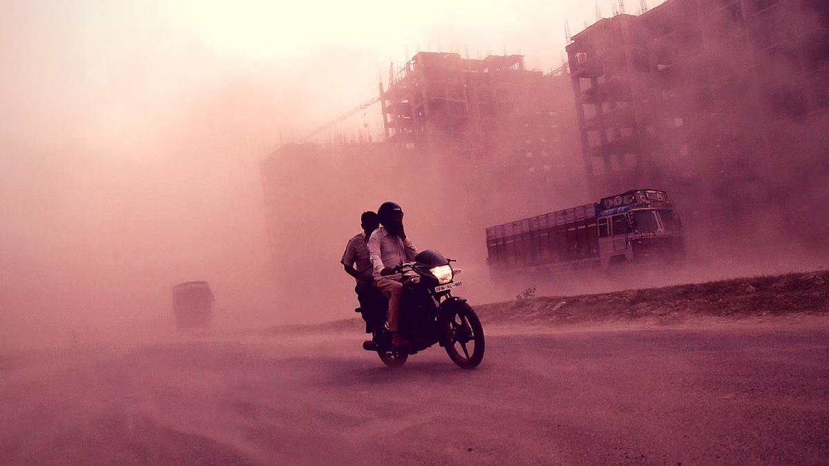 Delhi-NCR: Dust storm again, expect a calmer day