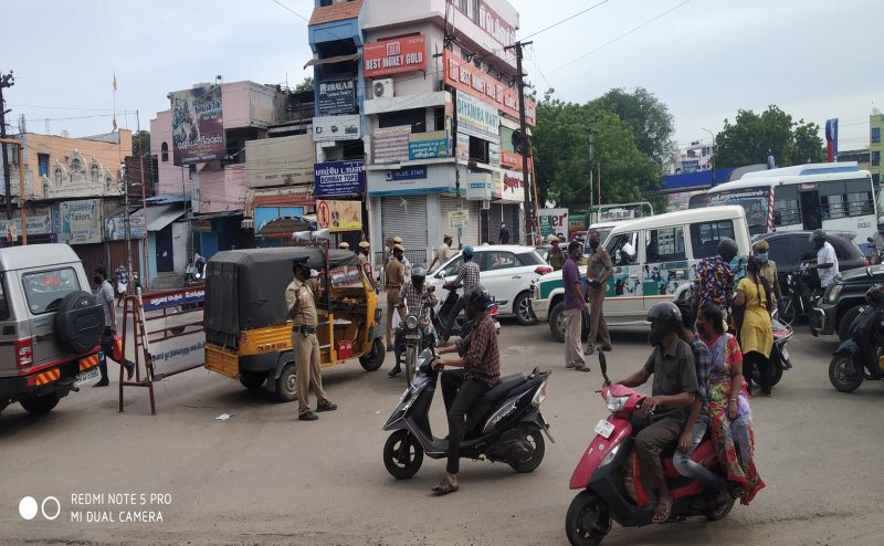 Madurai Police personnel sings a song to spread awareness among Covid-19 violators