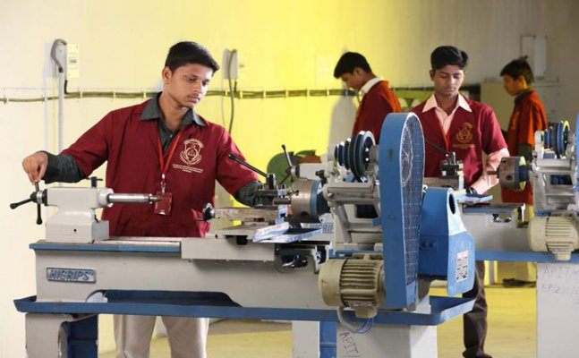Change in curriculum to self-learning, AICTE chairman explain demands of technical education
