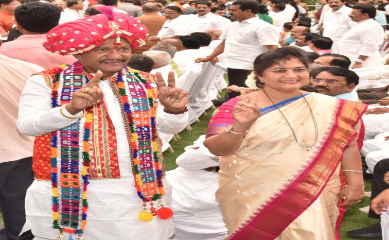 Prabhu Chavan Tkes Oath In Traditional Lambani Attire: Karnataka