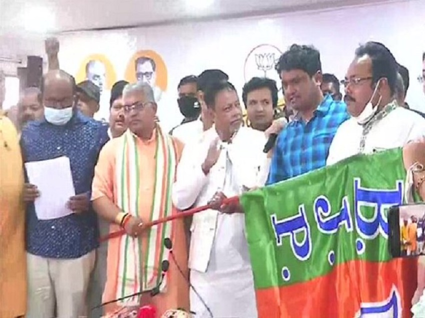 Another Shocker to Mamata Banerjee: 5 TMC MLAs join BJP ahead of Assembly polls