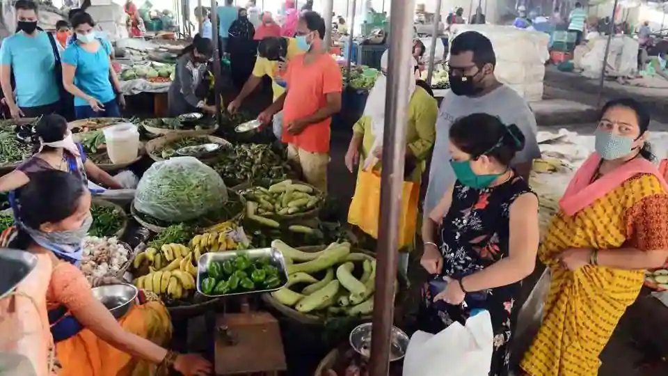 India's retail inflation for July rises 6.93% as food prices climb nearly 10%