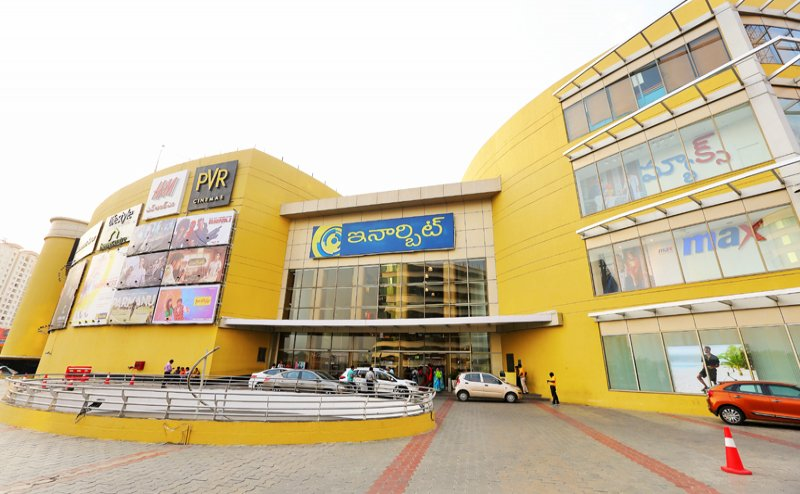 Vadodara mall installs 500kg sculpture to pay tribute to covid warriors