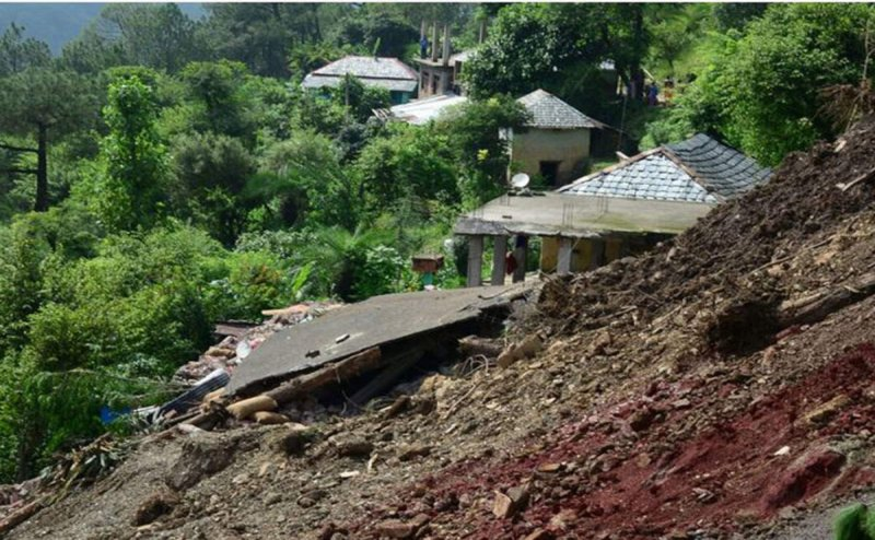 Himachal Pradesh : Watch Scary Visuals of Massive Land Collapse in Landslide