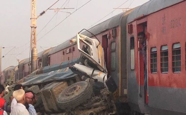 Kaifiyat Express derailment:74 injured in UP`s Auraiya