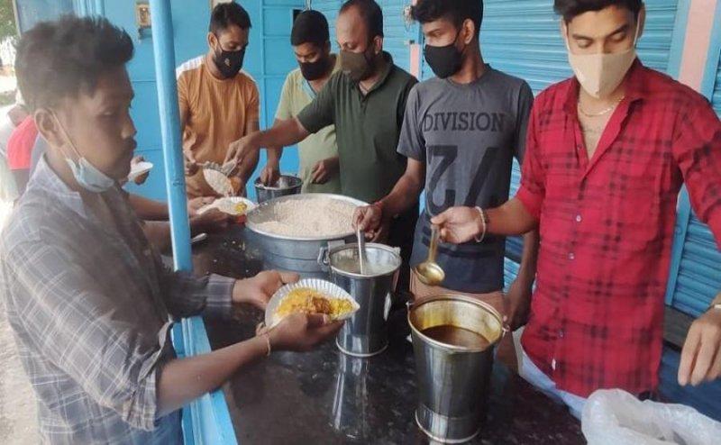 Friends Running Canteen, provides free meal: Karnataka