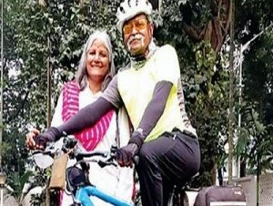 Veteran pushes the pedals to pay tribute to martyrs across India