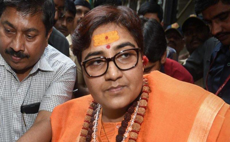 BJP's Bhopal candidate Sadhvi Pragya starts crying in front of Uma Bharti