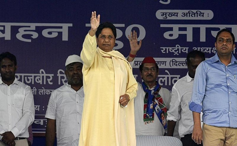 BJP women leaders fear of their husbands meeting Modi, think will be abandoned like Modi`s wife : Mayawati
