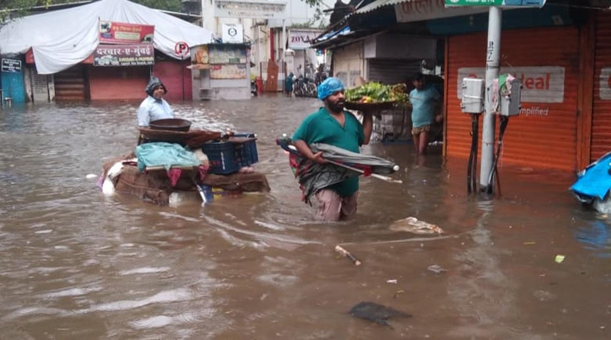 Heavy rainfall in Mumbai, 300 mm rain recorded in many areas