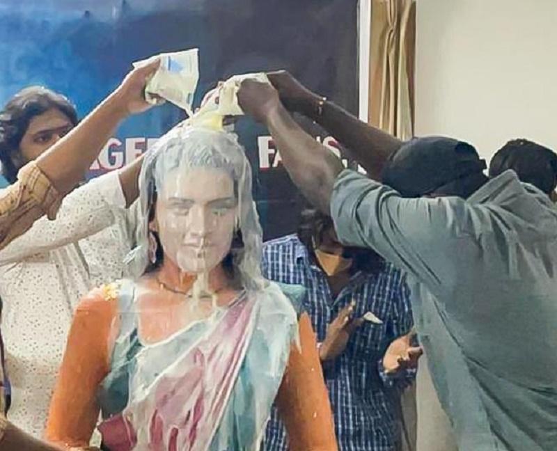 Fans build temple of a young heroine in Chennai | Chennai NYOOOZ - NYOOOZ