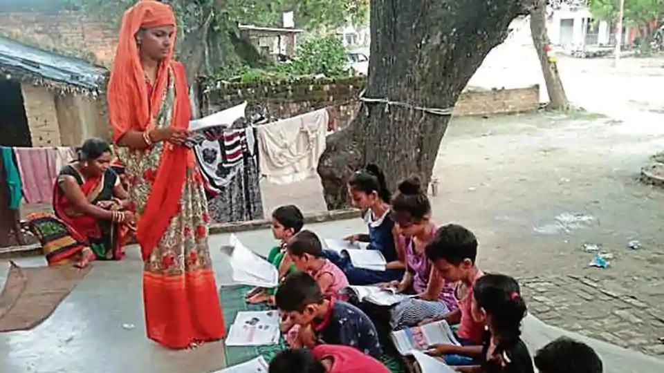 Doctors, housewives teach needy govt primary school kids in UP