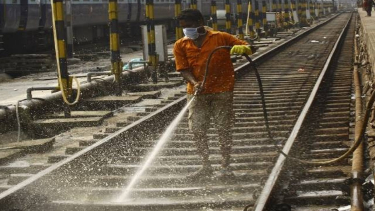 Railways To End Colonial-Era Khalasi System, Says No To New Appointments
