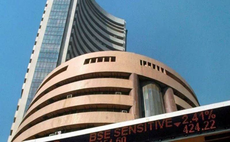 Sensex hits 40K for first time as NDA takes healthy lead