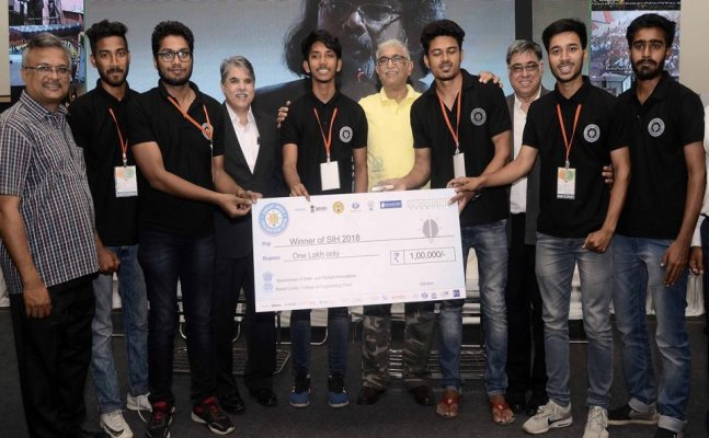 QR Scannig App for Railway ticketing awarded first prize at Smart indian Hackathon 2018
