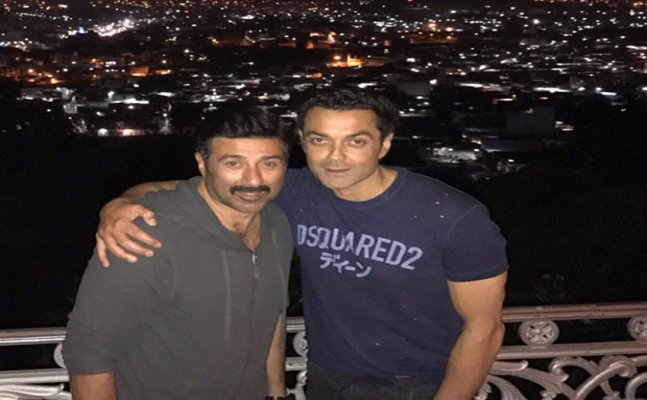 Family reunion: Sunny Deol joins Bobby & Dharmendra in Hyderabad