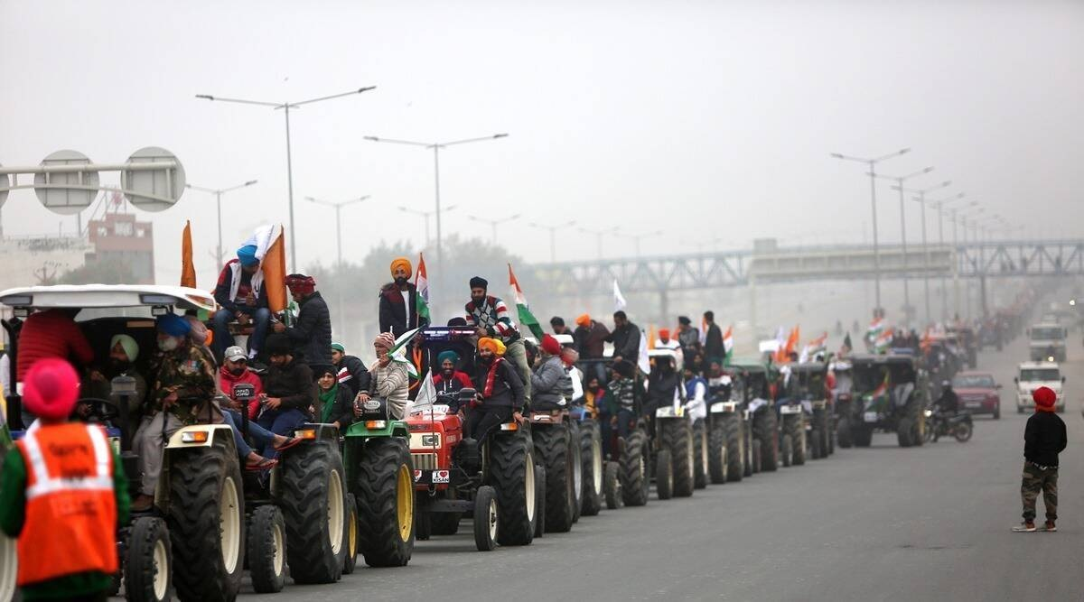 Delhi Police try to limit tractor rally to periphery, farmers firm: Won't disrupt R-Day parade
