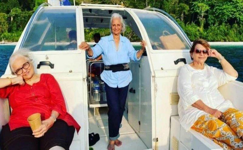 Waheeda Rehman, Asha Parekh and Helen's recreate Dil Chahta Hai moment during Andaman vacation, photos go viral