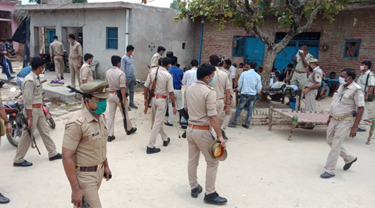 Two UP cops hurt in mob attack in UP's Kaushambi during raid to nab thieves