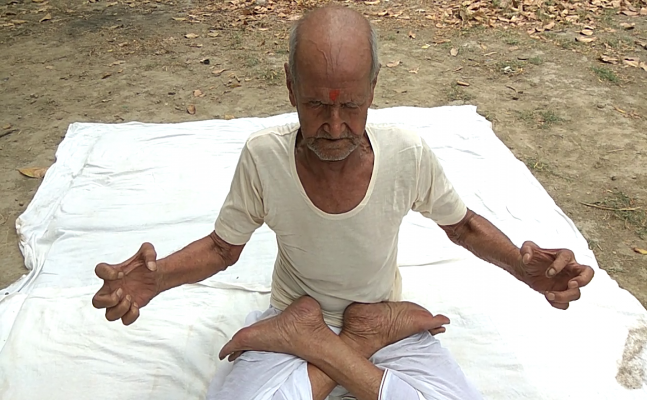 International Yoga day: Meet 96-year-old yogi from Allahabad, he cures cancer, infertility by Yoga