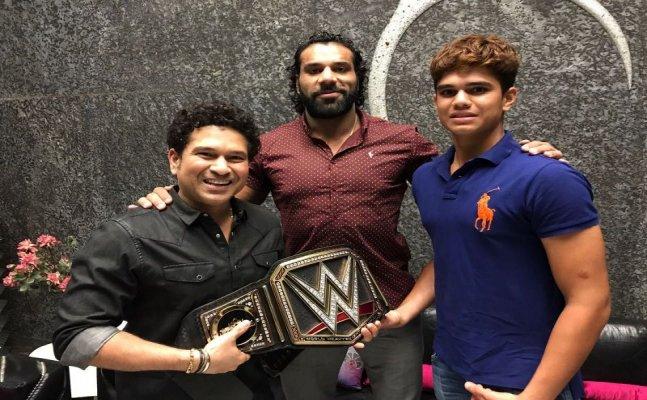 Jinder Mahal in India, meets cricket champ Sachin Tendulkar