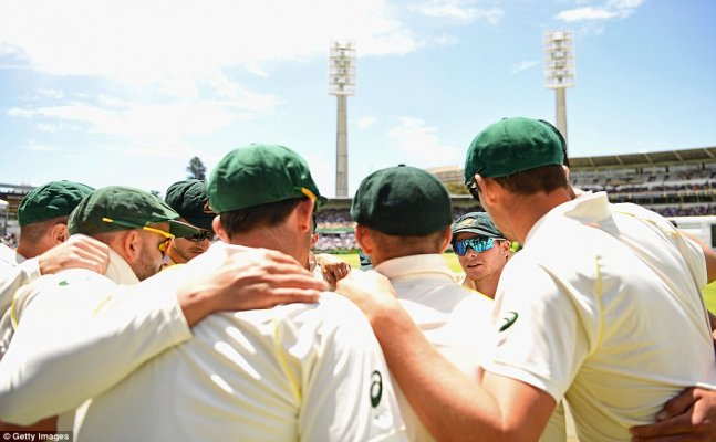 Ashes: England face defeat as Australia close in on victory