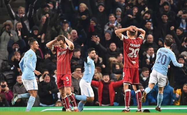 Aguero net last minute winner to break Bristol hearts