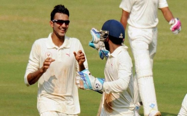 Jadeja`s replacement-Axar Patel or Kuldeep Yadav?
