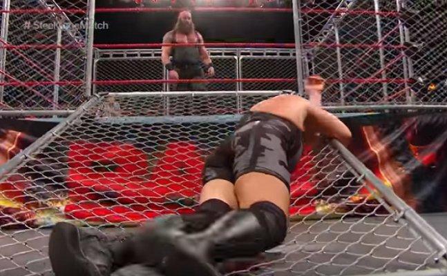 WWE: Braun Strowman destroys Big Show in Steel Cage match