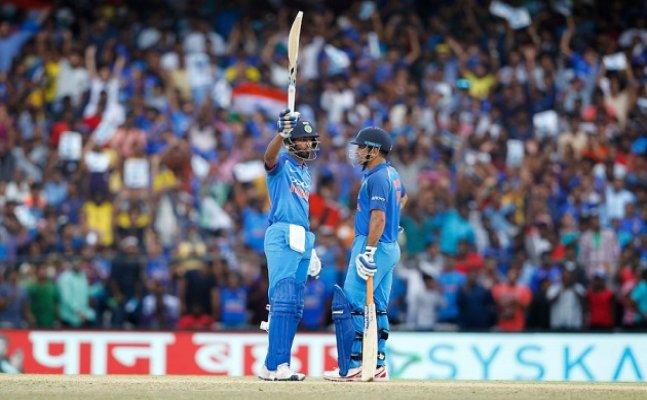 India vs Australia: Dhoni and Pandya bring India back into the match