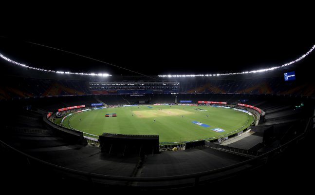 IPL 2021 Suspended, SRH player found Covid-19 positive before MI match