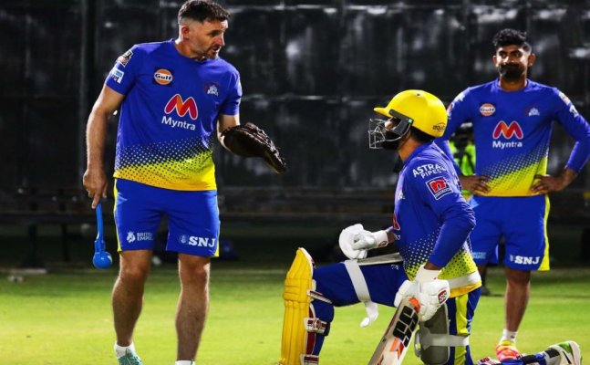 CSK's Mike Hussey reveals his scary Covid-19 story, makes a big revelation about IPL's bio bubble