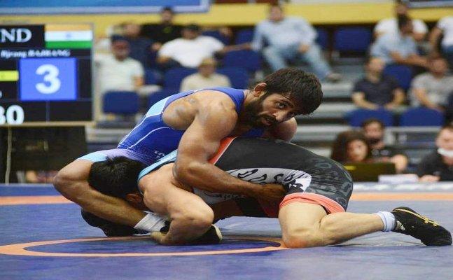 India's gold medal hope Bajrang Punia bows out to Azerbaijan's Haji Aliyev in SF bout, bronze medal hopes alive
