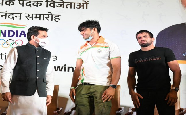 India's Olympic medal winners felicitated in grand ceremony, Neeraj says