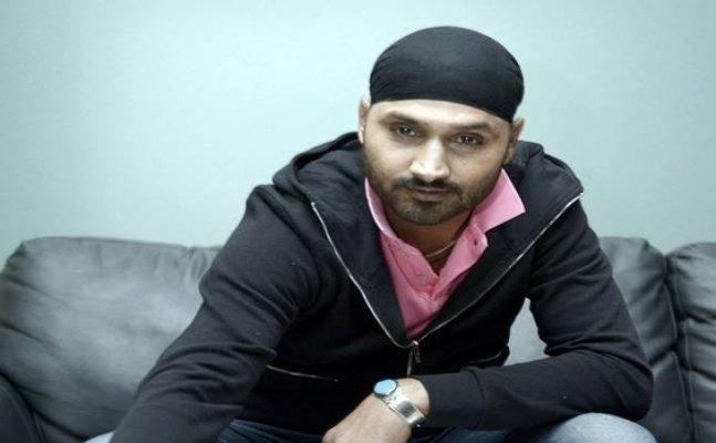 Amrapali Group Fiasco: Angry home buyers target Harbhajan Singh
