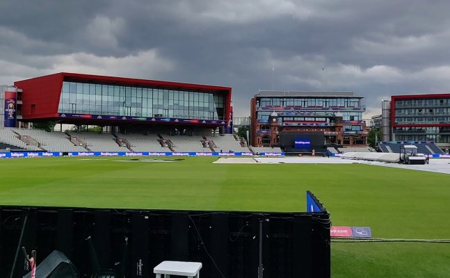 IPL 2021 in England ? 4 County Clubs interested in hosting remaining 31 matches