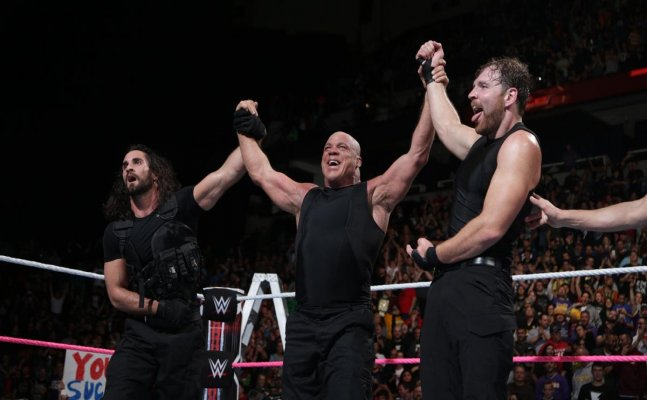 WWE TLC: Angle returns to the ring, join forces with Shield