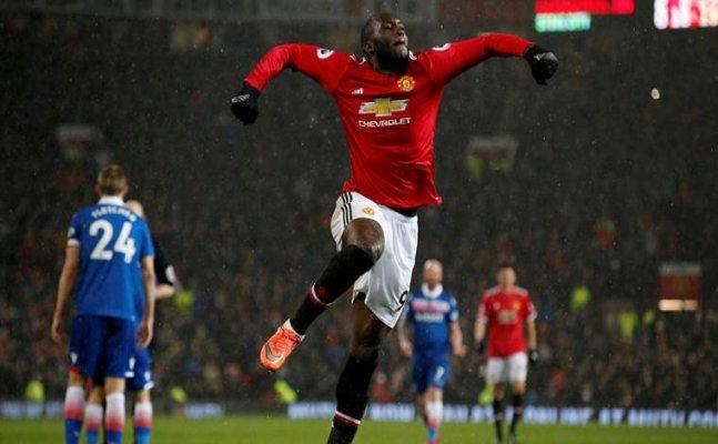 Manchester United thrash Stoke City