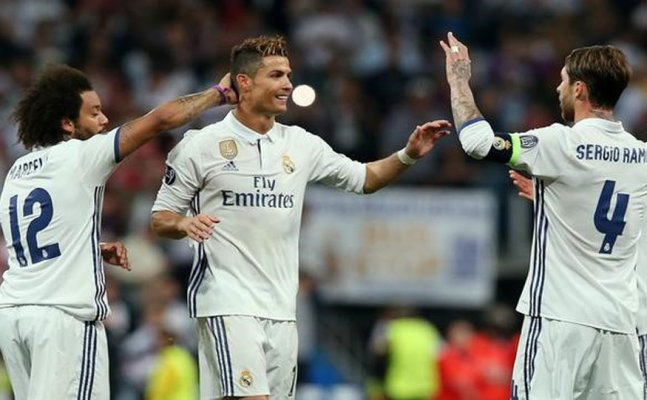 Real Madrid Roar Back With Big Win at Valencia