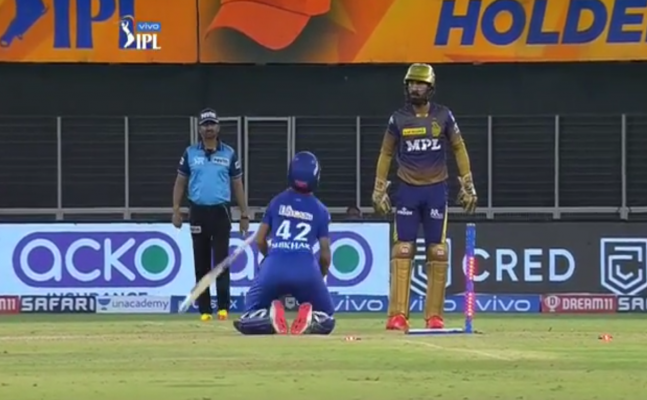 Watch: Shikhar Dhawan Drops To His Knees To Calm Down Angry Dinesh Karthik