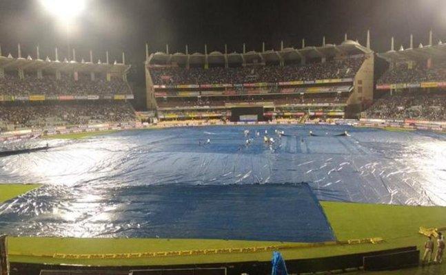 Ind vs Aus T20I: Rain stops play, Australia 118/8 in 18.4 overs