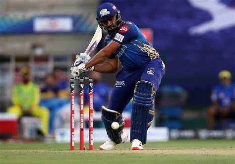 IPL 2020 : Where is Rohit Sharma after injury? Sunil Gavaskar calls for more transparency on Mumbai captain's injury