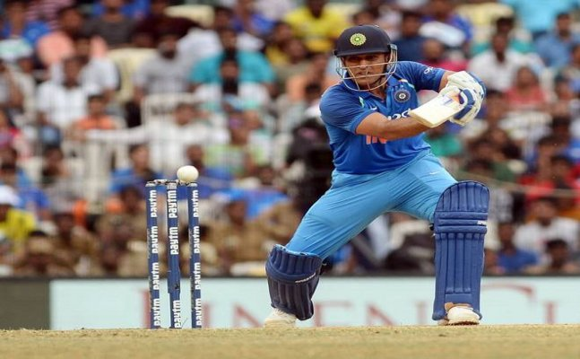 Watch: Dhoni gives Jadhav the 'Death Stare'